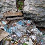 Wilde Mülldeponie Höhle M89, Melchsee-Frutt.